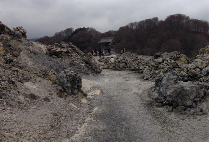 恐山の地獄風景